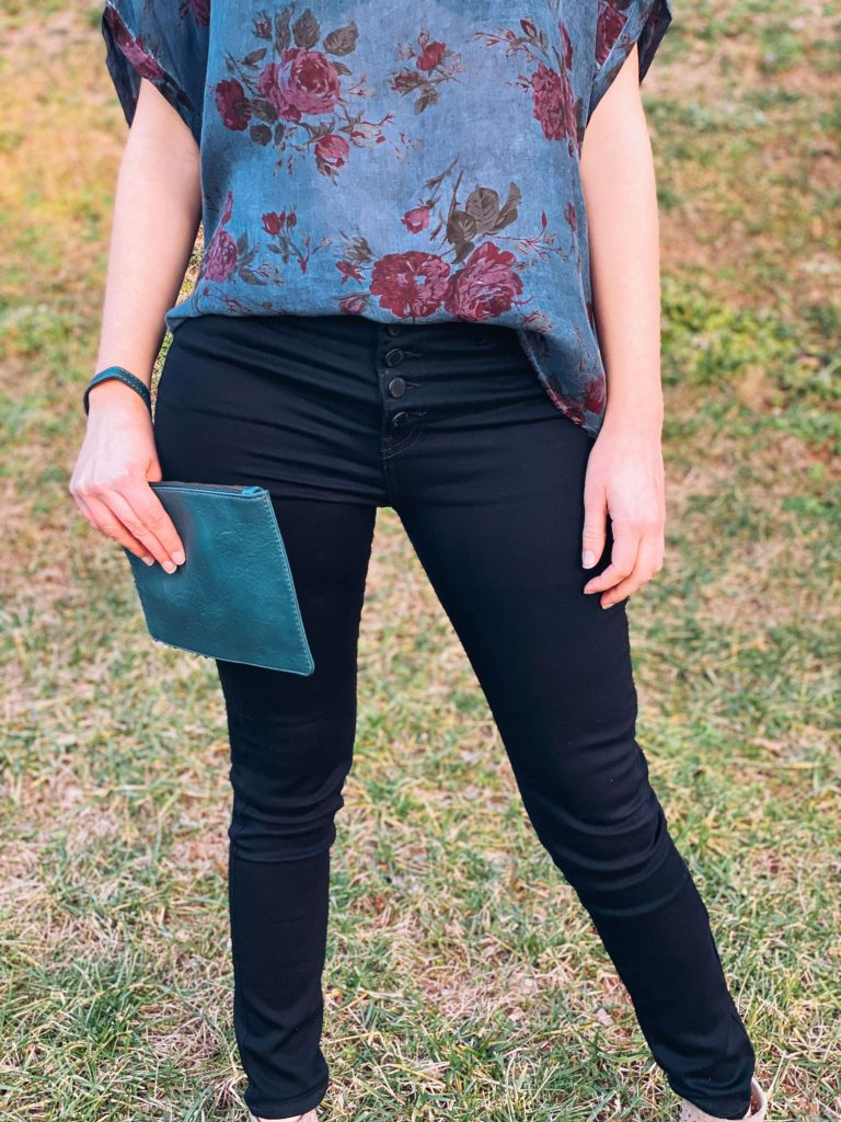 """""""Galentine's Day"""" Ethical and Sustainable Valentine's Day Outfit 
